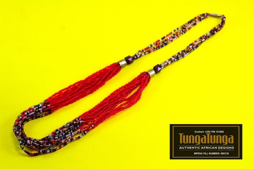 Beaded necklace - red maroon