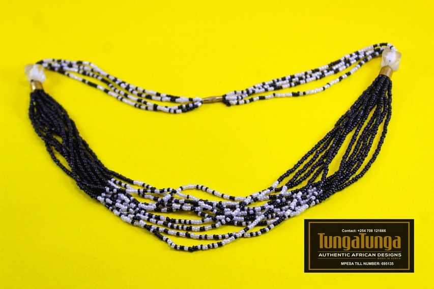 Beaded necklace- black and white